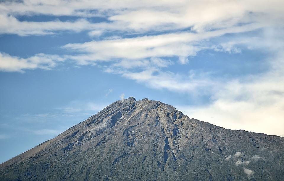 Le splendide Mont Neru à Arusha